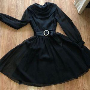Dresses & Skirts - Vintage little black dress
